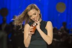Scarlett-Johansson--SodaStream-2014-Campaign--05-560x373